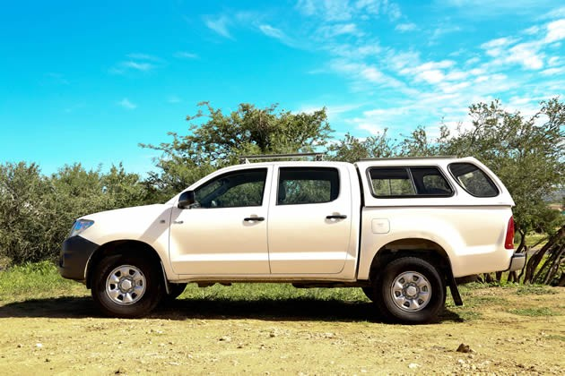 Toyota Hilux 4x4 Double Cab Standard (4-5 Pax)